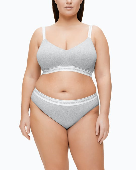 https://pvhba-calvin-klein.s3.ap-southeast-2.amazonaws.com/Underwear/0049613-000QF6019E020-MO-BT-F1.jpg