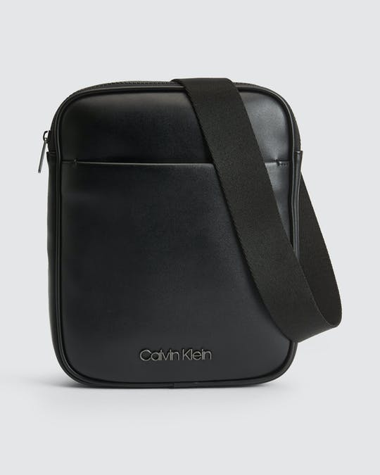 https://pvhba-calvin-klein.s3.ap-southeast-2.amazonaws.com/Accessories/0053316-K50K505677BAX-FL-AS-F1.jpg
