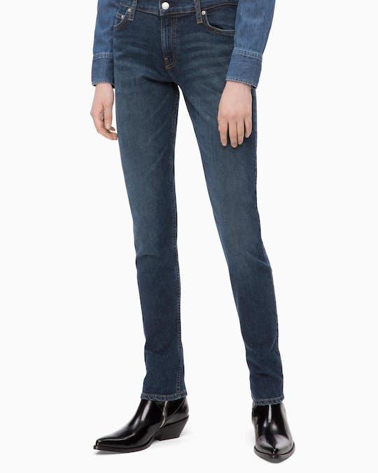 Ckj 021 Slim Mid Rise Jeans -