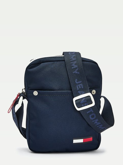 https://pvhba-tommy-hilfiger.s3.ap-southeast-2.amazonaws.com/Accessories/AM0AM05917CBK-FL-AS-F1.jpg
