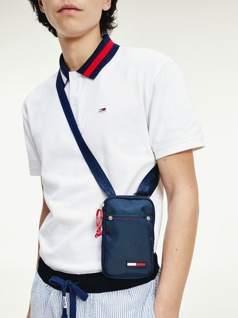 https://pvhba-tommy-hilfiger.s3.ap-southeast-2.amazonaws.com/Accessories/AM0AM06229C87-MO-ST-F1.jpg
