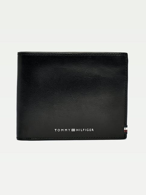 https://pvhba-tommy-hilfiger.s3.ap-southeast-2.amazonaws.com/Accessories/AM0AM06301BDS-FL-AS-F1.jpg