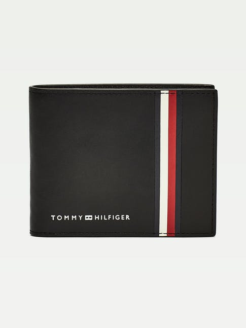 https://pvhba-tommy-hilfiger.s3.ap-southeast-2.amazonaws.com/Accessories/AM0AM06306BDS-FL-AS-F1.jpg