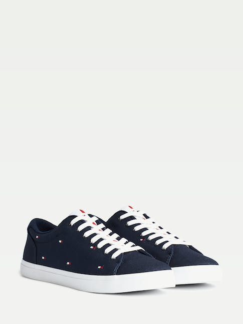 https://pvhba-tommy-hilfiger.s3.ap-southeast-2.amazonaws.com/Shoes/FM0FM02750DW5-FL-AS-F1.jpg