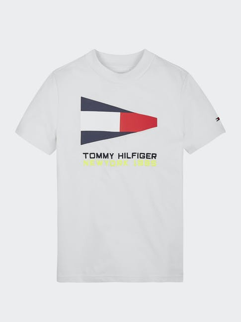 https://pvhba-tommy-hilfiger.s3.ap-southeast-2.amazonaws.com/Kids/KB0KB05628AYBR-CI-LC-F1.jpg