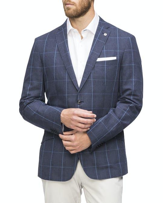 https://pvhba-van-heusen.s3.ap-southeast-2.amazonaws.com/Coats-Blazers-Outerwear/VBER358F_CIKB_MO_TP_F1.jpg