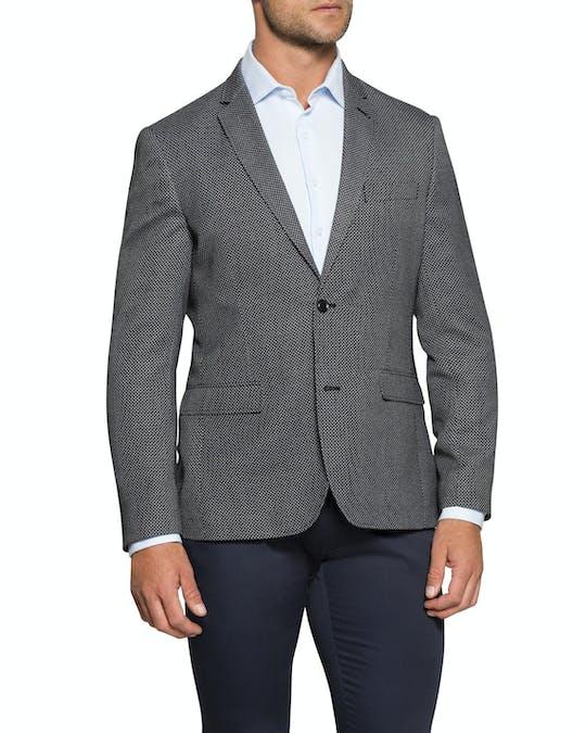 https://pvhba-van-heusen.s3.ap-southeast-2.amazonaws.com/Coats-Blazers-Outerwear/VBER765E_RCCG_MO-TP-F1.jpg