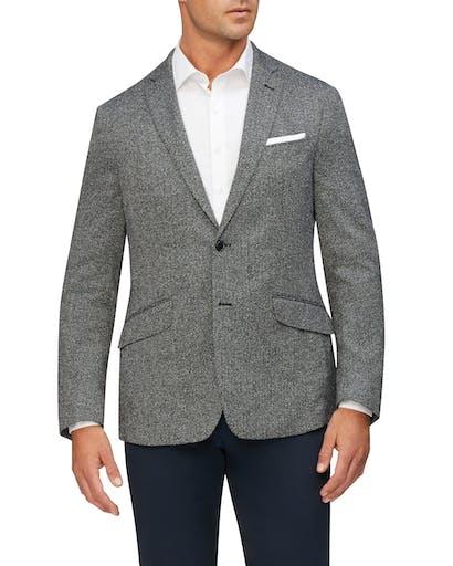 https://pvhba-van-heusen.s3.ap-southeast-2.amazonaws.com/Coats-Blazers-Outerwear/VEB822G_RBLK_MO-TP-F1_003.jpg
