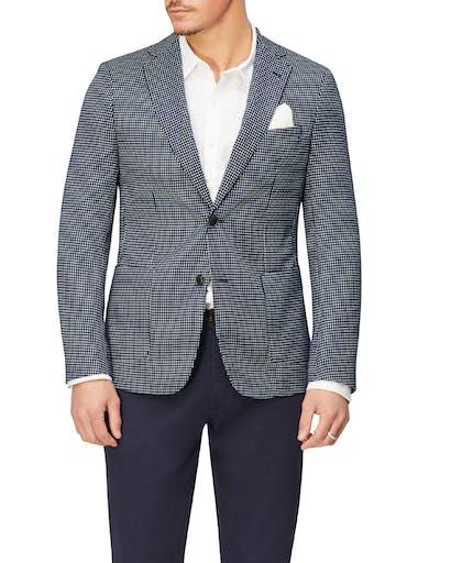 https://pvhba-imgix-van-heusen-m2prod.s3.ap-southeast-2.amazonaws.com/Coats-Blazers-Outerwear/VEB901H_RIKB_MO-TP-F1.jpg