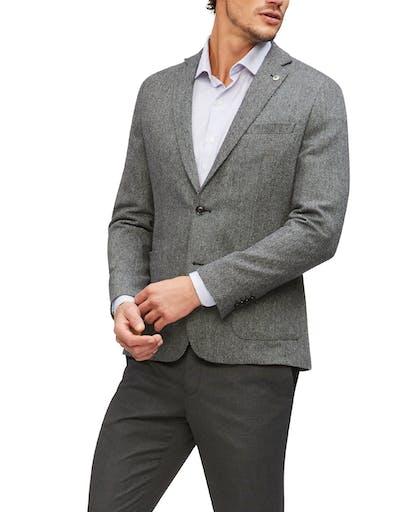 https://pvhba-imgix-van-heusen-m2prod.s3.ap-southeast-2.amazonaws.com/Coats-Blazers-Outerwear/VSB245I_RBBU_MO-TP-F1.jpg