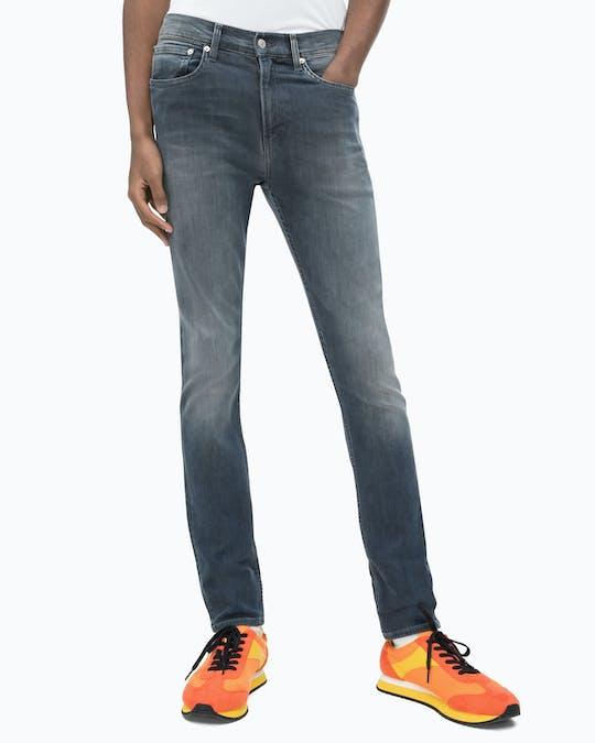 https://pvhba-mondo-ck.s3.ap-southeast-2.amazonaws.com/Jeans/ZM0ZM01224_1BL_MO-BT-F2_000.jpg