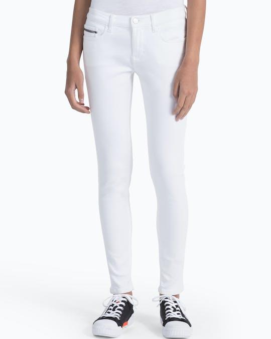https://pvhba-mondo-ck.s3.ap-southeast-2.amazonaws.com/Jeans/ZW0ZW01086_1CK_MO-BT-F1_000.jpg