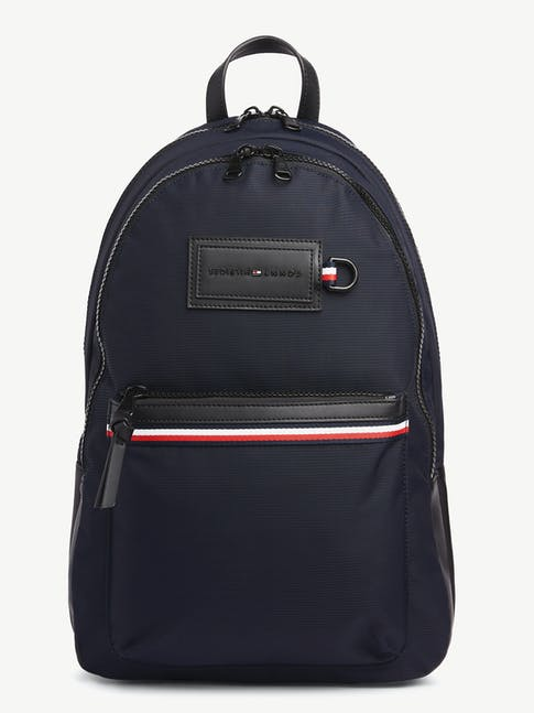 https://pvh-brands.imgix.net/catalog/product/media/am0am05565cjm-fl-as-f1.jpg