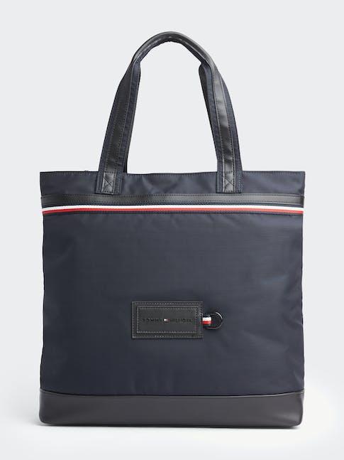 https://pvh-brands.imgix.net/catalog/product/media/am0am05755cjm-fl-as-f1.jpg