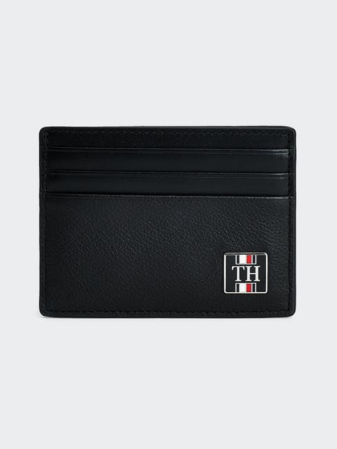 https://pvh-brands.imgix.net/catalog/product/media/am0am05846bds-fl-as-f1.jpg