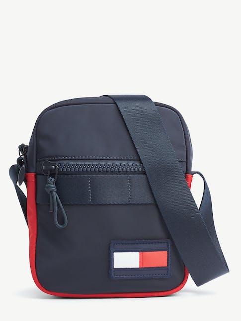https://pvh-brands.imgix.net/catalog/product/media/am0am059840gy-fl-as-f1.jpg
