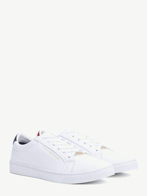Essential Sneaker -