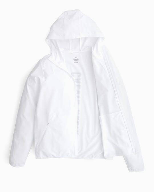 https://pvh-brands.imgix.net/catalog/product/media/gmf8o508100_01_1.jpg
