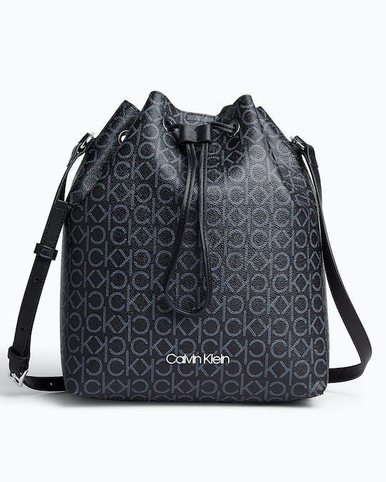 https://pvh-brands.imgix.net/catalog/product/media/k60k6064770gj_01.jpg