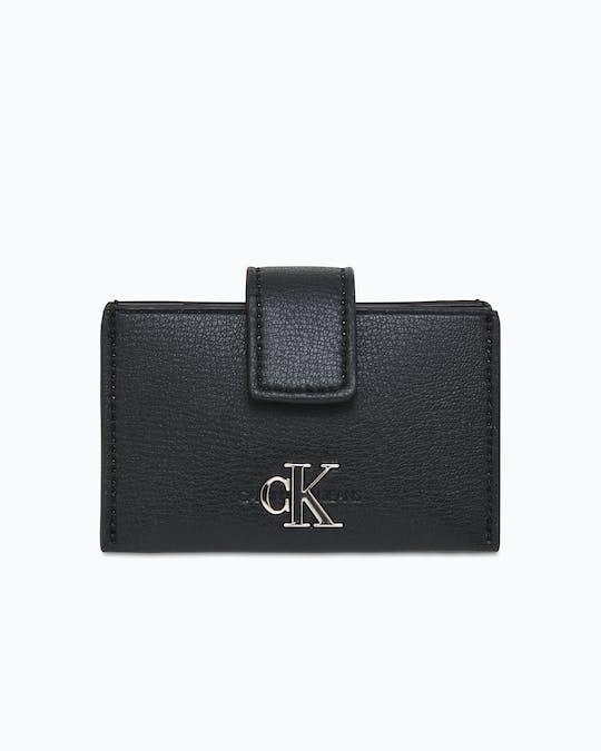 https://pvh-brands.imgix.net/catalog/product/media/k60k606611bds_01.jpg