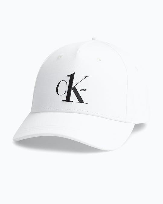 https://pvh-brands.imgix.net/catalog/product/media/k60k606751yaf_01.jpg